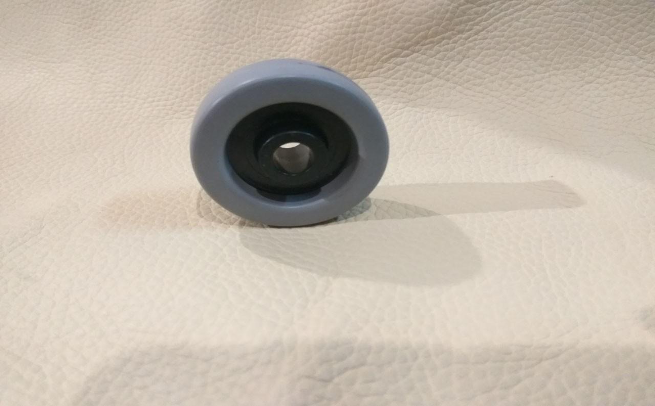 Ролик обрезиненный диаметр 43 мм.