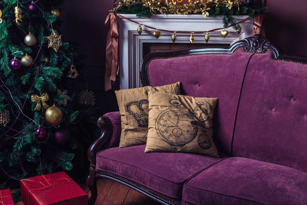 Ткань мебельная на диване с подушками